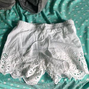 VanillaStar Girl White Shorts